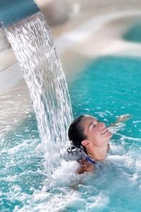 eine Frau im Wasser